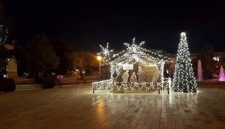 Γιάννης Κωνσταντάτος πόλη φόρεσε γιορτινά