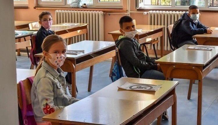 συνεδριάζει σήμερα επιτροπή ειδικών άνοιγμα σχολείων