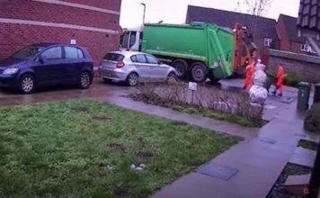 υπάλληλος καθαριότητας κλώτσησε χιονάνθρωπο απολύθηκε