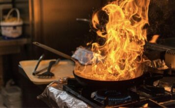 Τι κάνουμε πάρει φωτιά κουζίνα μας